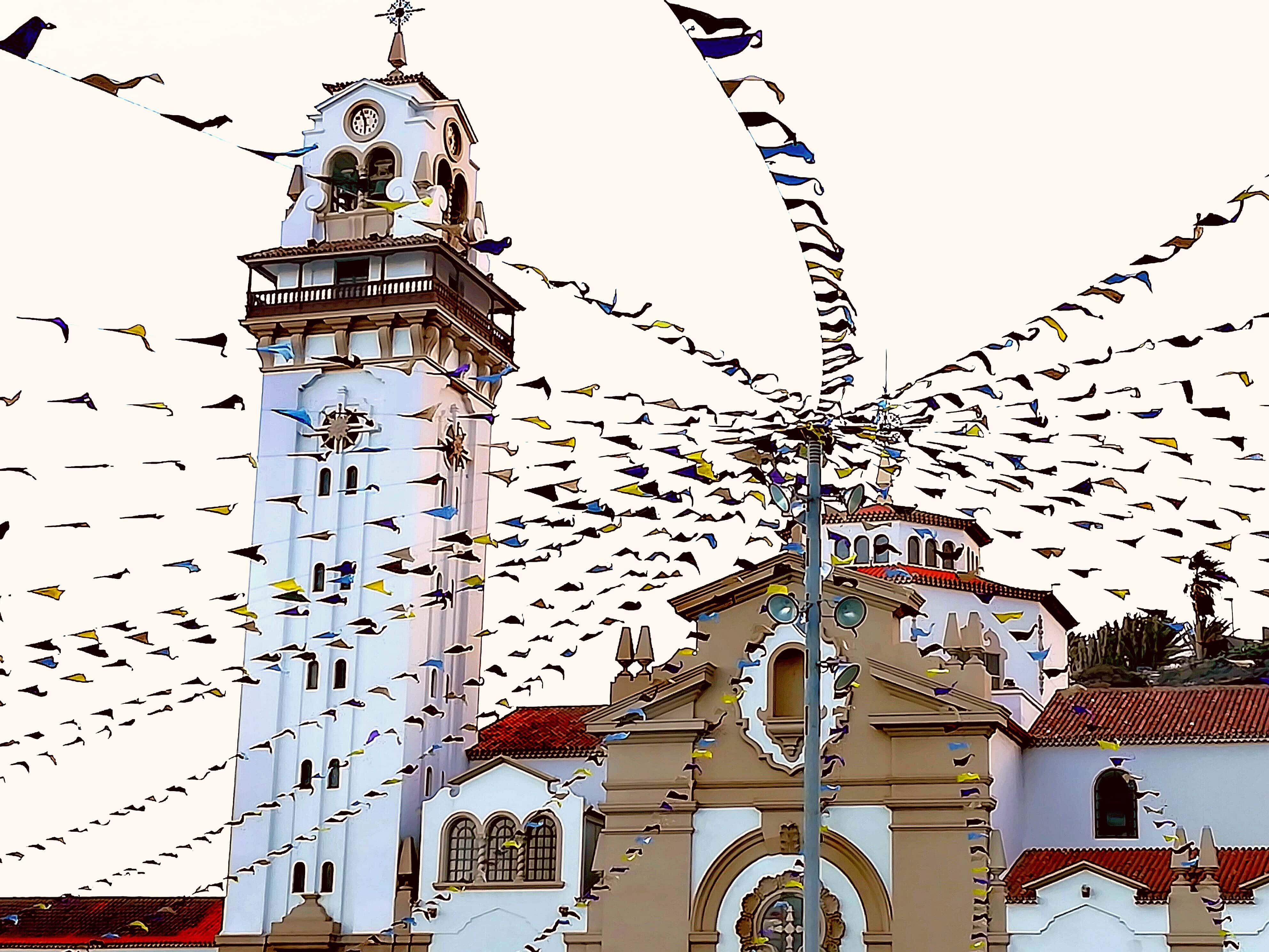 Candelaria Kirche mit Wimpeln