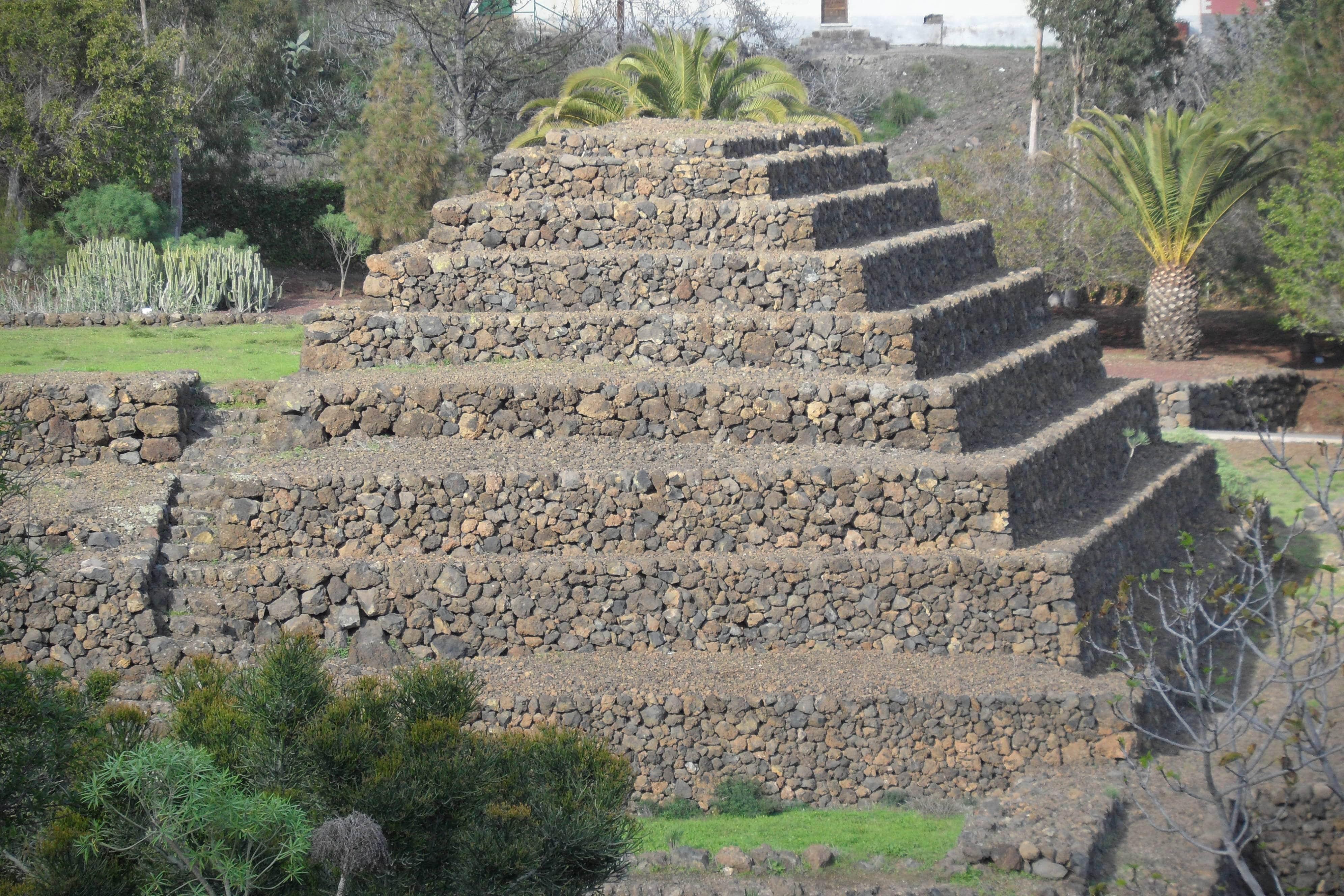 guimar_pyramide