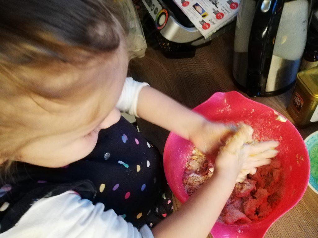 Kuchen backen mit Kind