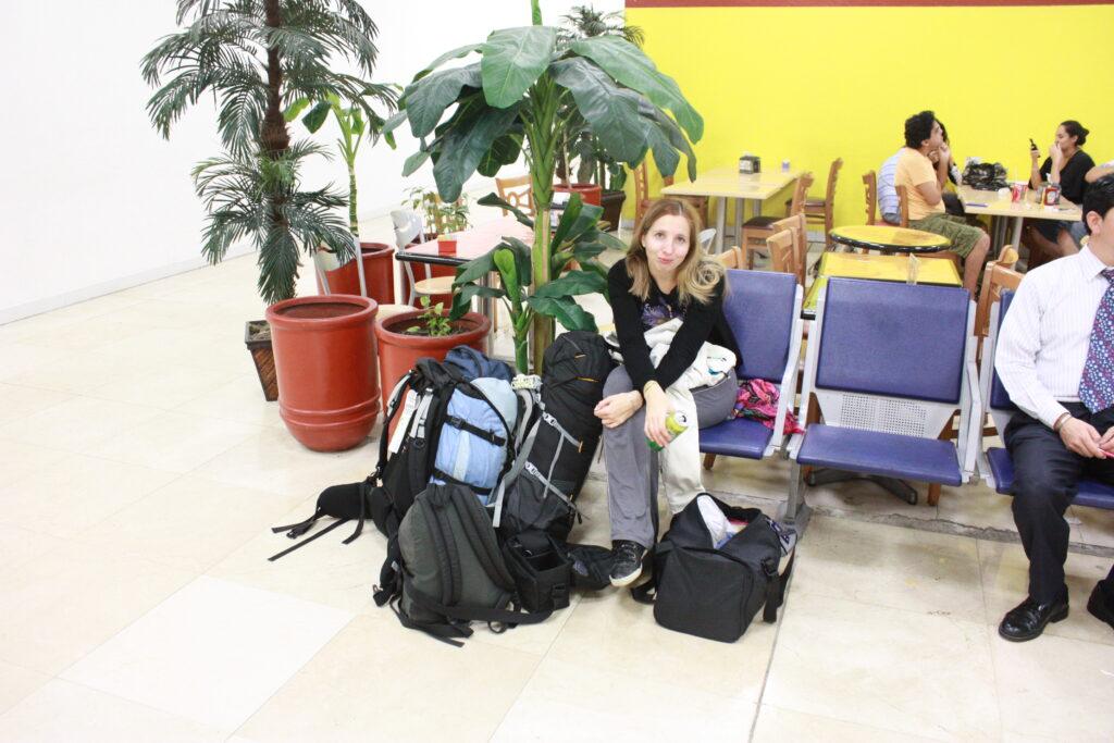 Auf gepackten Koffern festsitzen